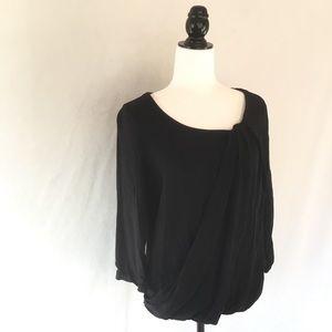 Aritzia Babaton black flowy 3/4 sleeve blouse